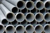 Arrange cement pipe in stock — Stock Photo