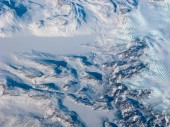 Greenland snow river and waves — Stock Photo