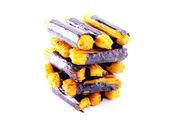 日本のスナック食品が白い背景の上にたこ焼きのクローズ アップ — ストック写真