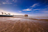 Beach villa located outside cited by a long bridge — Stock Photo