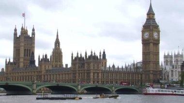 Westminster Bridge, Parliament and Big Ben — Stock Video