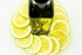 Olio di oliva con agrumi — Foto Stock