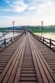 The old wooden bridge in Sangklaburi — Stock Photo