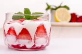 Strawberry dessert with cream — Stock Photo