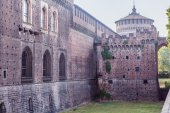 Beautiful Sforzesco Castle in the center of Milan — Stock Photo