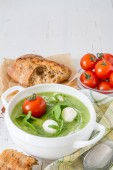 Summer ruccola pure soup — Stock Photo