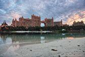 Cloudy sunset at Atlantis hotel, on Paradise Island, Bahamas — Stock Photo