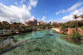Sun, blue sky and puffy clouds at Atlantis hotel, Paradise Island, Bahamas — Stock Photo