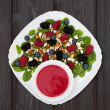 Summer refreshing spinach mixed berry salad with pumpkin and sunflower seeds, almonds, feta cheese and sweet red raspberry vinaigrette — Stockfoto #81269018