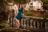 Mulher de beleza perto de castle — Fotografia Stock