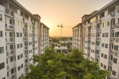 Building constructor with sunset — Stock Photo
