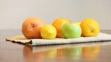 Choose fruit — Stock Video