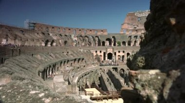 Rome-circa 2015:ULTRA HD 4K real time shot, the arena inside the Roman Colosseum. — Stock Video