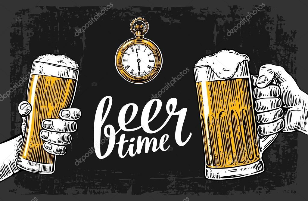 Dos Manos Sosteniendo La Jarra Vasos De Cerveza. Elemento