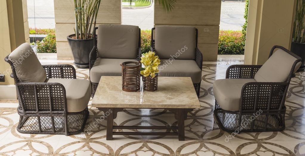 Set van meubels van rotan geschikt voor balkon en interieur stockfoto 103786152 - Woonkamer rotan voor veranda ...
