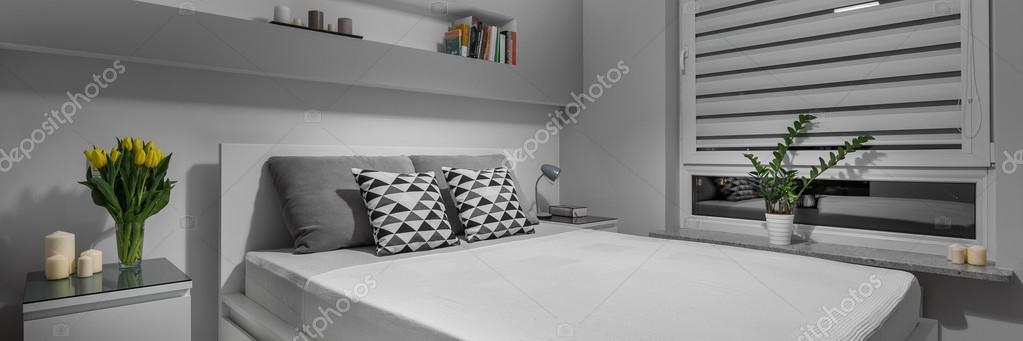 Sovrum sovrum grey : Mysiga hörn i grÃ¥ sovrum — Stockfotografi © photographee.eu #110665406