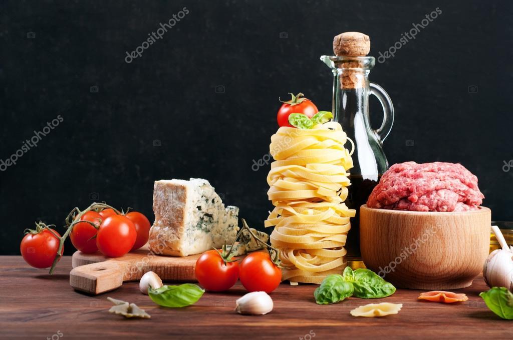 Concepto de comida italiana ingredientes para cocinar la for Ingredientes para cocinar