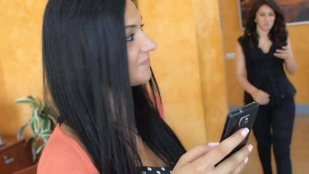 Женщины откровенное видео фото 121-904