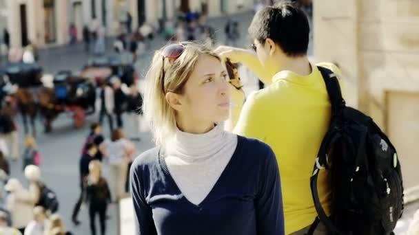 Молодой испанский парень с женщиной фото 311-708