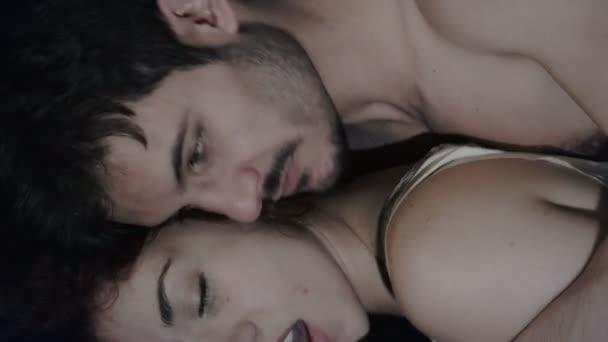 video fare l amore nel letto eroric video