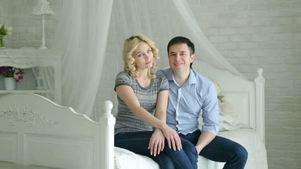 Видео муж с женой в постели фото 633-638