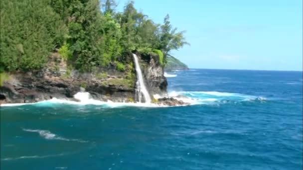 Lotta acqua beach video stock wundervisuals 53105443 for Piani di piantagione hawaiana