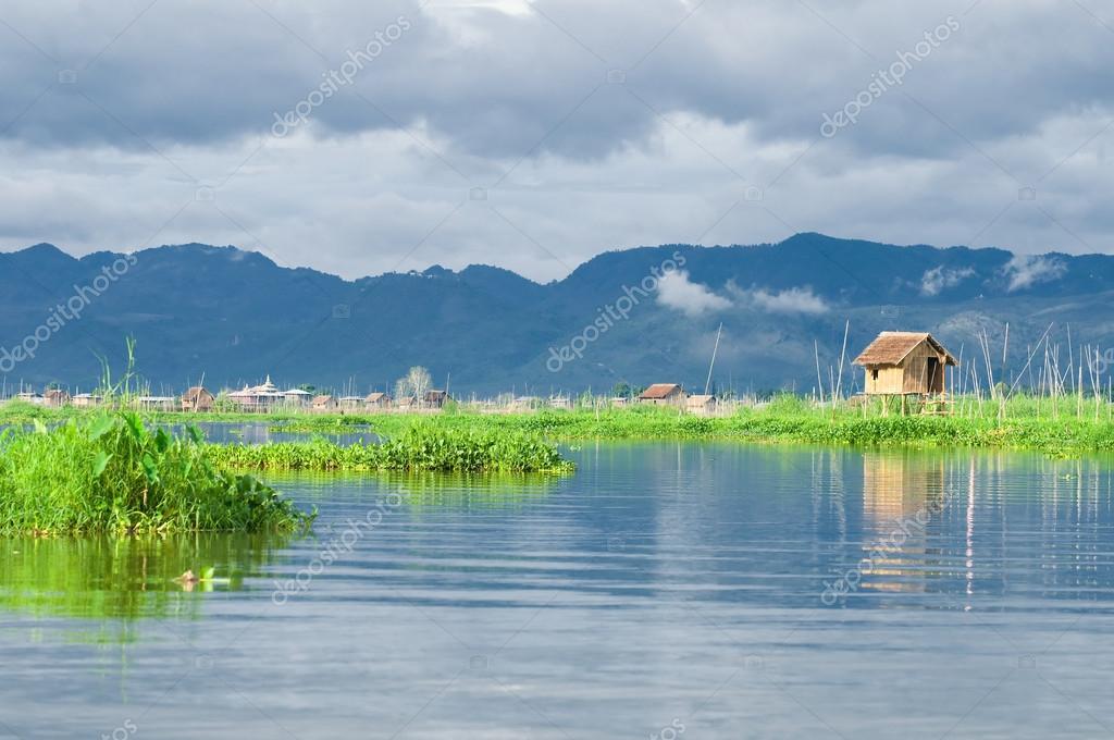 Leg Rowing Fisherman - Inle Lake - Myanmar (Burma) Editorial Stock ...