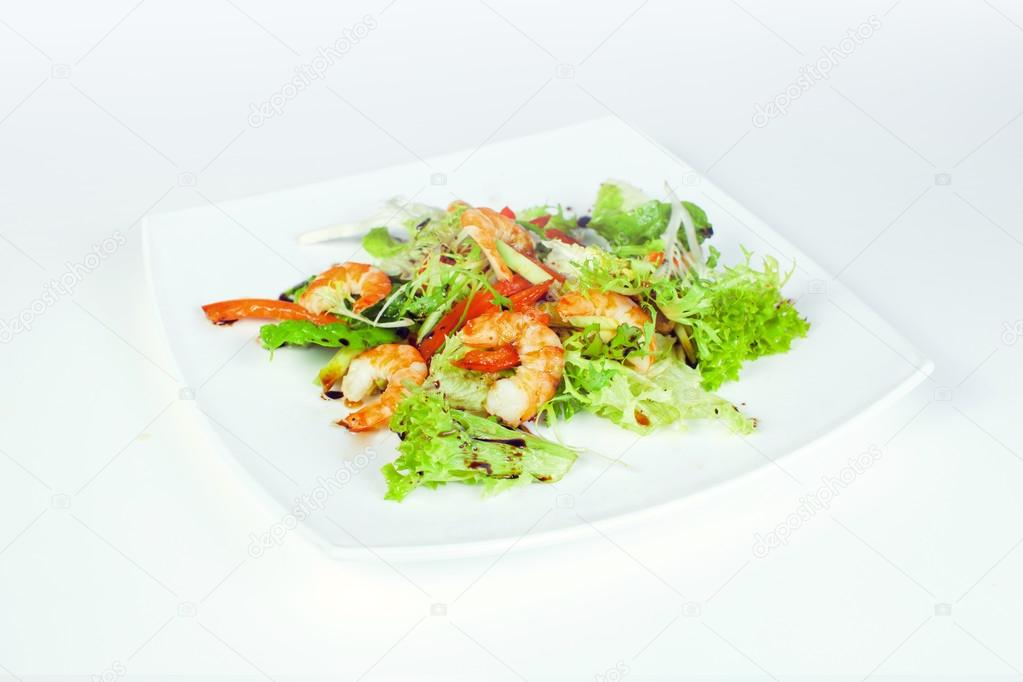 Салат курица с морепродуктами