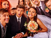 Nevěsta a ženich v photobooth