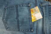 Bankovka v zadní kapse