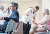 Lékaři a pacienti v nemocnici