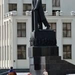 Постер, плакат: Minsk Belarus Lenin statue near parliament building