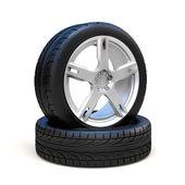 3D pneumatiky a litá kola na bílém pozadí