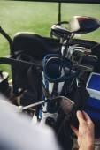 Golfista starat jeho kluby