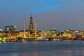 Přístav Hamburk v noci