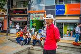 Unidentify őshonos ember, hogy működik a coffee plantation vásárlás kereskedelmi főutcáján, az örmény, Kolumbia