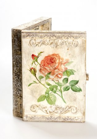 Постер, плакат: A box decorated in decoupage technique, холст на подрамнике