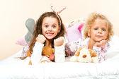 Dvě holky v posteli