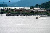 Wasserflugzeug abheben