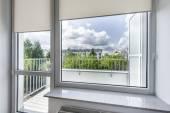 Kisméretű, gazdaságos szoba ablak