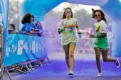 Crowds of unidentified people at The Color Run