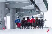 Turisté v lyžařském středisku