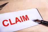 Reklamationsformular in braunen Umschlag, können Versicherungen Konzept
