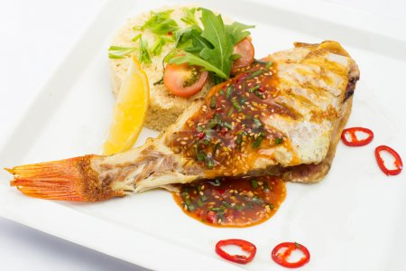 Постер, плакат: Жареная рыба и овощи, холст на подрамнике
