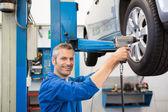 Mechanik, seřízení kola pneumatiky