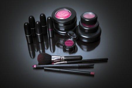 Постер, плакат: Various makeup products in pink tone, холст на подрамнике