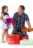 Apa lánya ajándékok ad