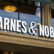 Постер, плакат: Barnes and Noble Store Exterior