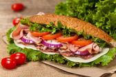 Italské sub sendvič