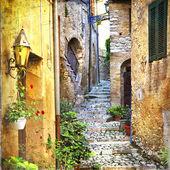 Charmante alte Straßen von mediterranen